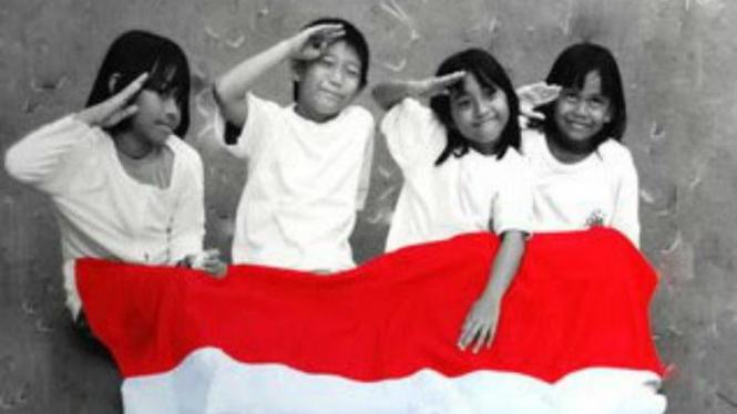 Menjadi Indonesia