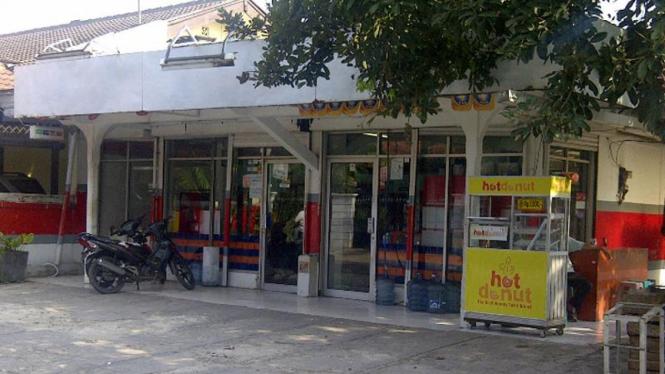 Minimarket milik Dhana Widyatmika