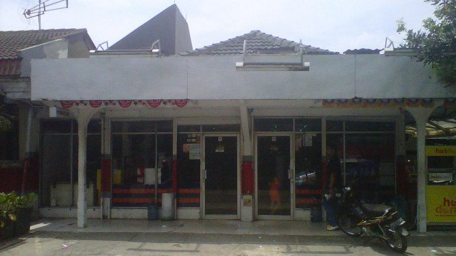 Minimarket milik DW