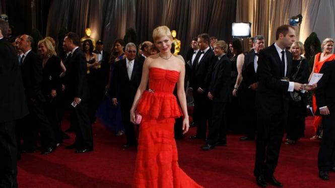 Busana terbaik Oscar 2012