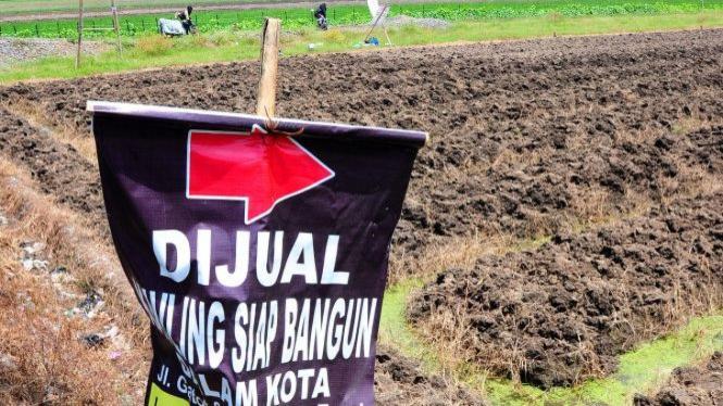 Iklan penjualan tanah pertanian untuk komersial/alih fungsi lahan (foto ilustrasi)