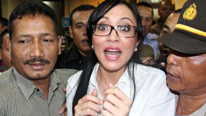 Angelina Sondakh Bersaksi Untuk Nazaruddin