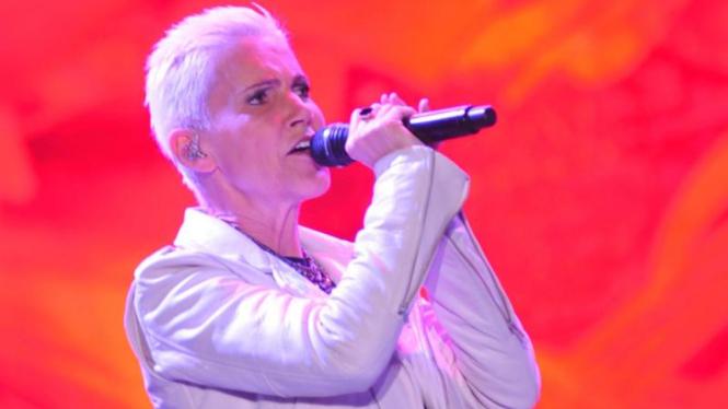 Vokalis wanita Roxette, Marie Fredriksson.