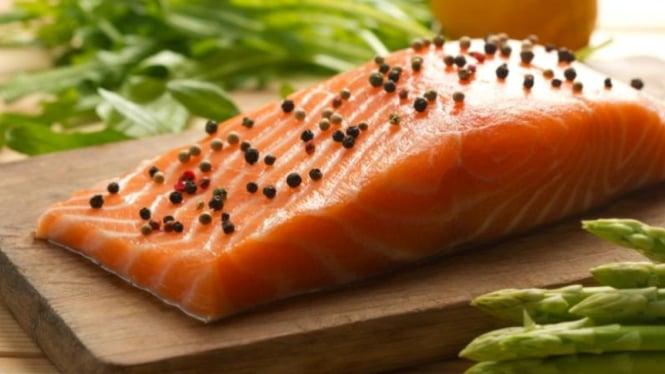 Salmon pengurang rasa sakit.