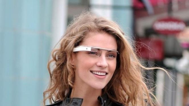 Penggunaan Google Glasses