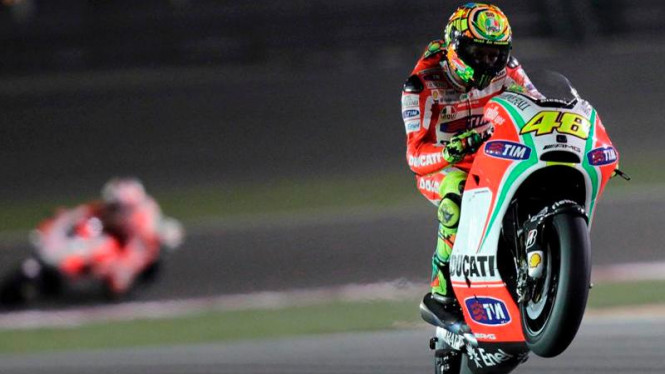 Pembalap Ducati, Valentino Rossi di sirkuit Losail, Qatar.
