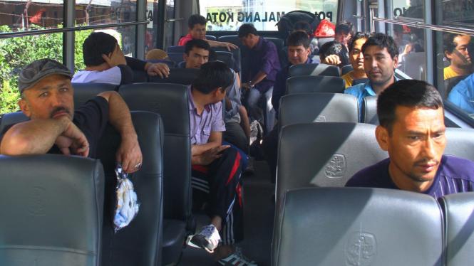 Imigran asal Afghanistan yang terdampar di Pantai Wonogoro, Malang