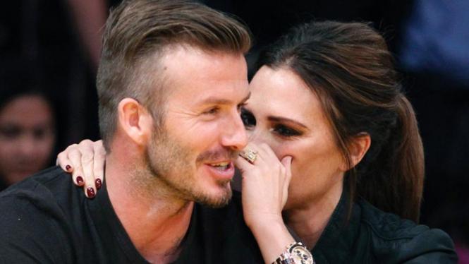 Kemesraan David Beckham dan Victoria di lapangan basket