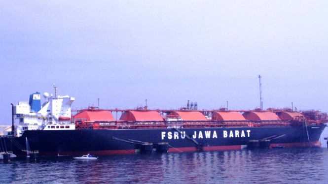 Gas FSRU Jakarta Mulai Mengalir