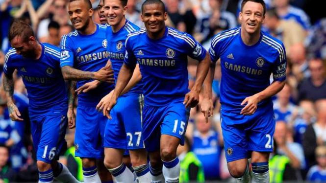 Chelsea saat merayakan gol John Terry (kanan) melawan Blackburn Rovers