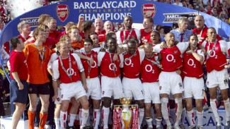 Arsenal saat menjuarai Premier League 2003-04