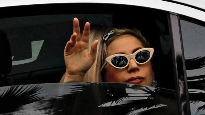 Lady Gaga disambut penggemar di Singapura