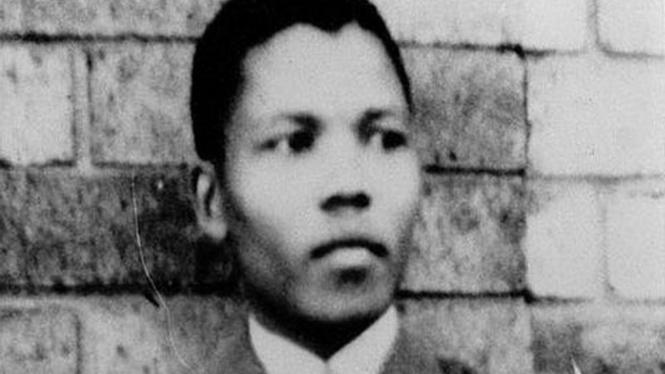 Nelson Mandela saat berusia muda