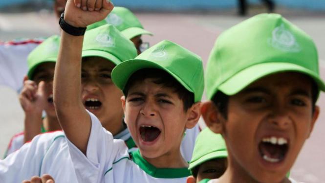 Anak-anak Gaza di camp musim panas Hamas