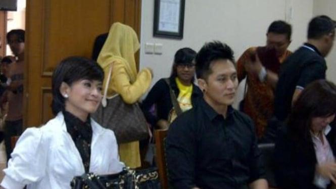 Yulia Rahman dan Demian