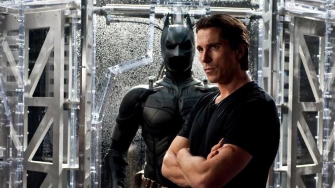Christian Bale beraksi dalam film The Dark Knight Rises (2012)