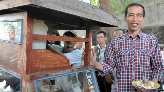 Jokowi Adakan Karnaval Kotak-kotak