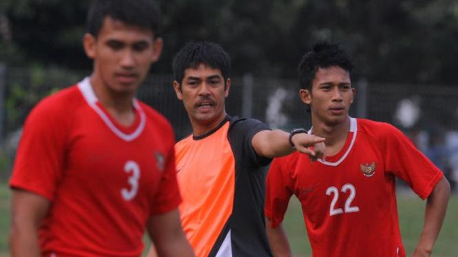 Latihan Timnas Jelang Lawan Cesc Fabregas