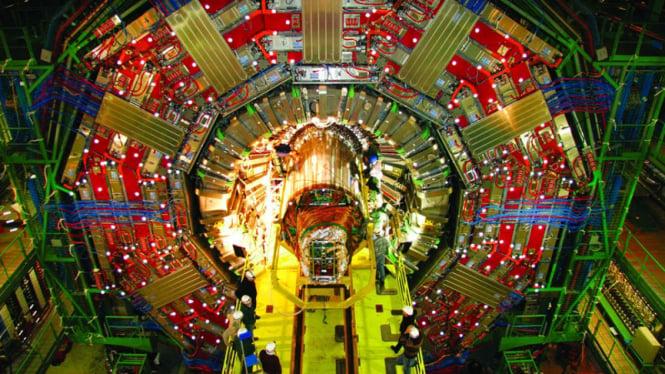CERN hampir berhasil membuktikan Higgs boson