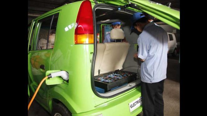 Mobil Listrik Depok Karya Dasep Ahmadi