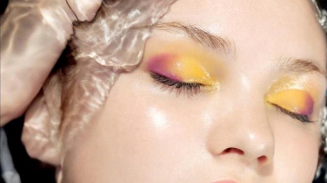 eyeshadow kuning