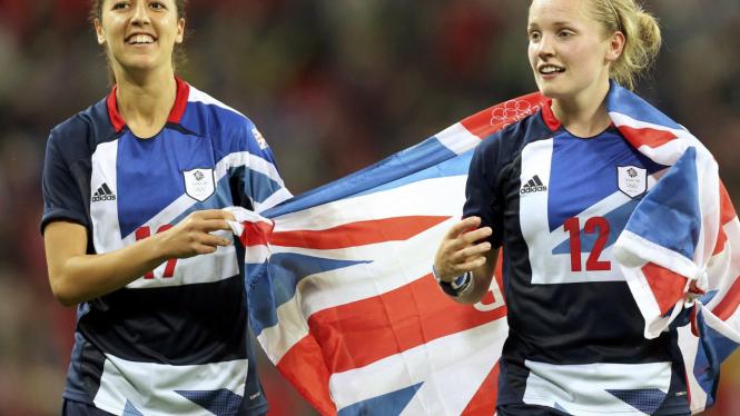 Tim wanita Inggris Raya rayakan kemenangan atas Brasil