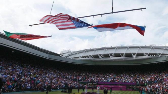Penyerahan medali final tenis tunggal putri Olimpiade 2012