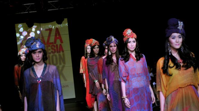 Alleira Batik Plaza Indonesia Fashion Week