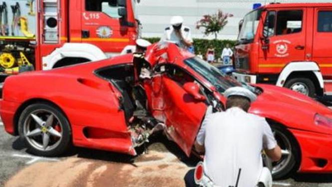 Kecelakaan Ferrari di Jerman