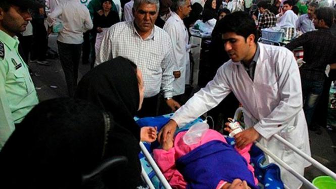 Korban cedera gempa bumi di Ahar Iran