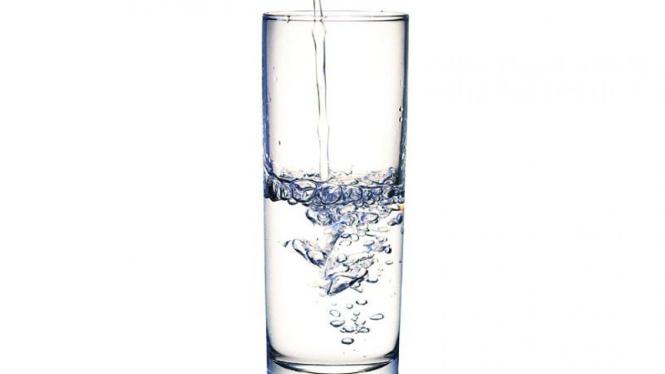 Air putih.