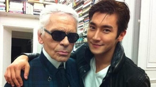 Personel Super Junior Choi Siwon dan Karl Lagerfeld