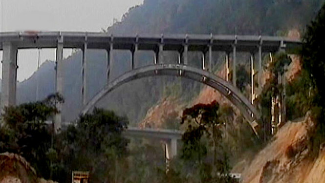 Jembatan Layang Kelok Sembilan Diresmikan
