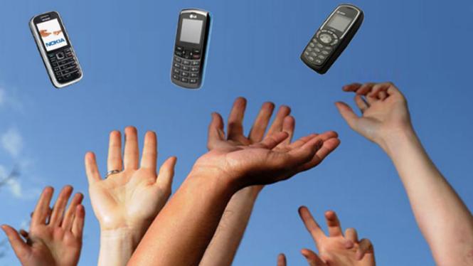 Kontes lempar ponsel