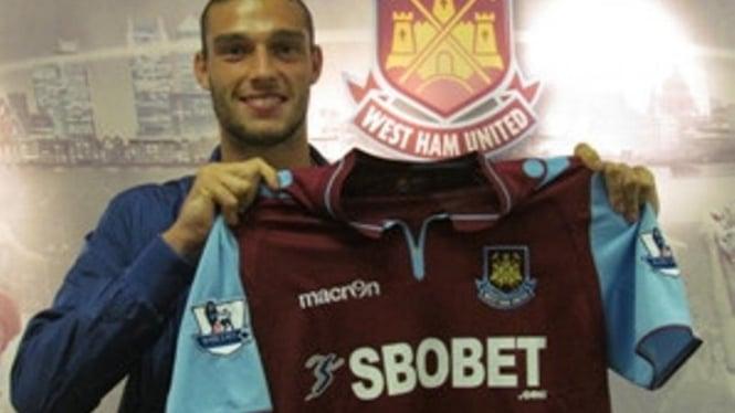 Pemain West Ham United, Andy Carroll.