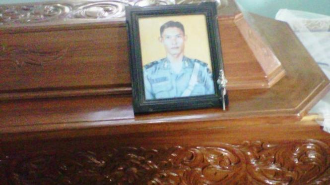 Peti jenazah Bripka Dwi Daya, korban penembakan di Solo