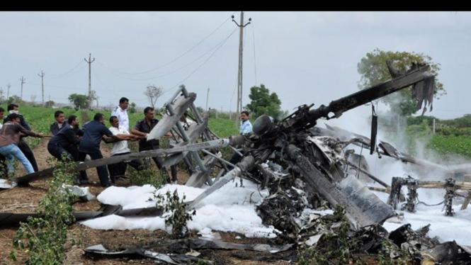Helikopter India tabrakan di udara