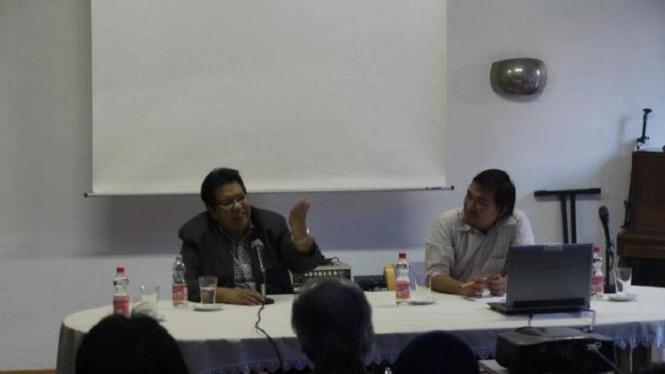 Diskusi IASI dengan Bachtiar Aly