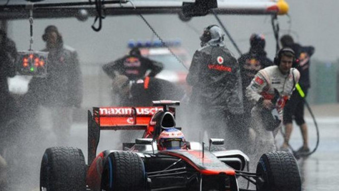Pembalap McLaren, Jenson Button.