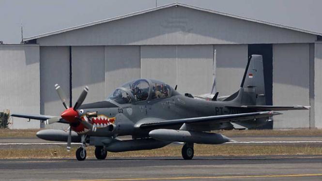 Pesawat tempur Super Tucano yang dibeli TNI Angkatan Udara dari perusahaan Embraer, Brasil.