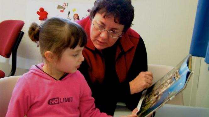 Mengajarkan anak berbicara