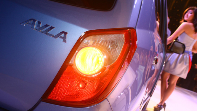 Perkenalan Toyota Agya dan Daihatsu Ayla