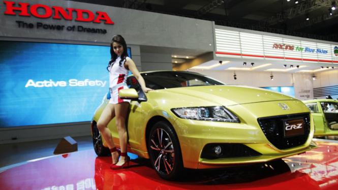 Honda CR-Z di Indonesia International Motor Show (IIMS) 2012