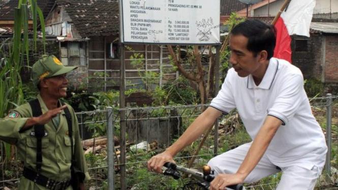 Jokowi Blusukan Kampung