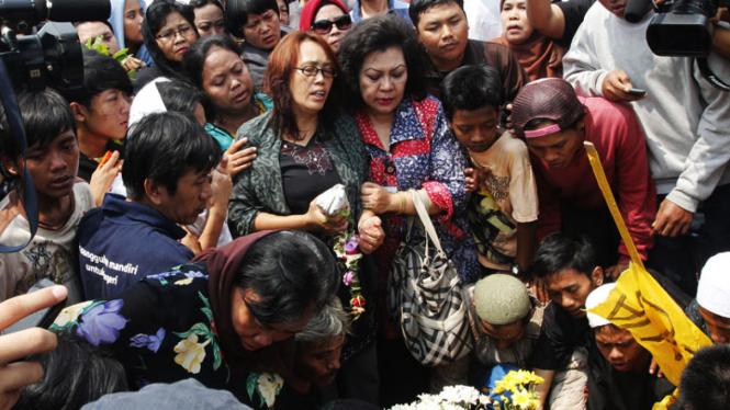 Pemakaman Korban Tawuran Pelajar SMA Yayasan Karya 66