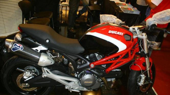 Ducati Monster 795 Corse Special Edition
