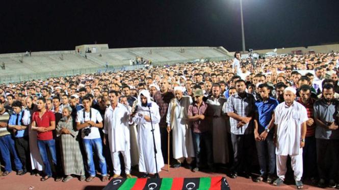 Warga Libya menyolati jenazah Omran Shaaban