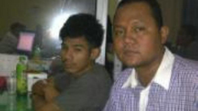 FR, tersangka penusukan siswa SMA 6 didampingi pengacaranya