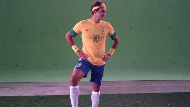 Roger Federer mengenakan kostum timnas Brasil