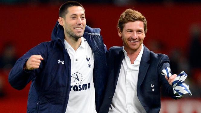 Manajer Tottenham Hotspur, Andre Villas-Boas (kanan).
